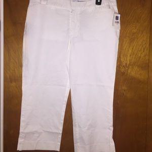 New gap white Capri pants size 12